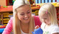 Canguro inglesa: ventajas del bilingüismo para tu hijo