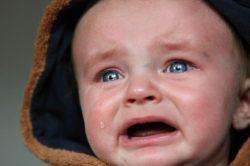 Entender el llanto para ser una buena niñera de bebés es necesario