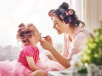 ¿Cómo puedo ser una buena niñera?