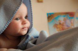 muerte súbita del bebé, no se debe cubrir cabeza del niño