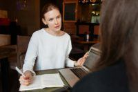 Cómo escribir el currículum perfecto para ser niñera en 10 pasos