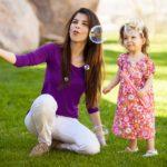 Guida al baby sitting: giochi e attività per bambini da 1 a 2 anni